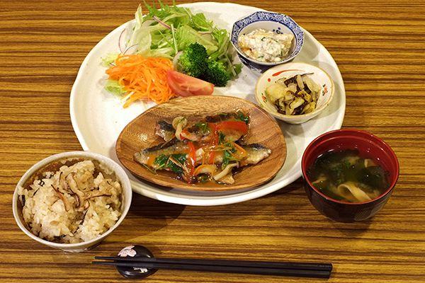 季節の野菜や食材の料理